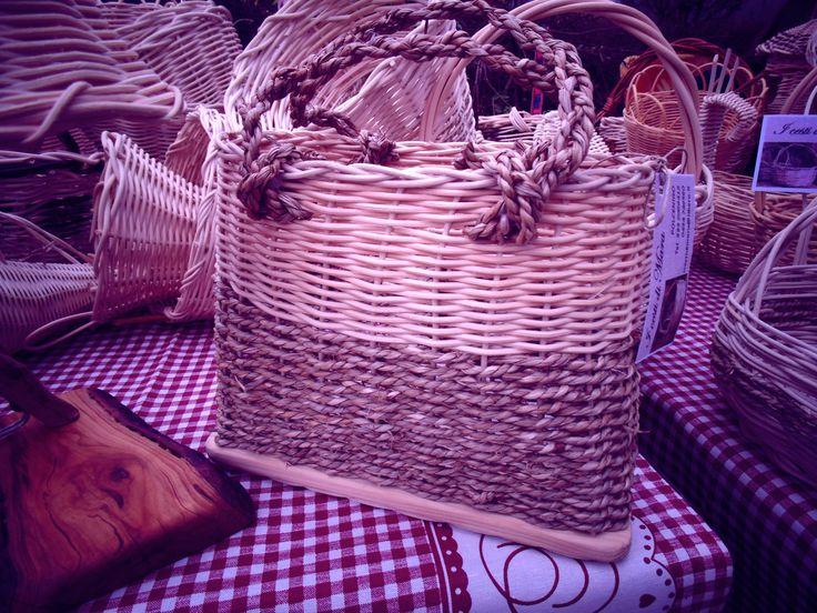 Una borsa  <3 EASY SPRING <3 per un pic nic originale by Cesti di Mara in midollino e fili d'erba