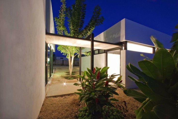 Transition to house Gershenson House / Roman Gonzalez Jaramillo