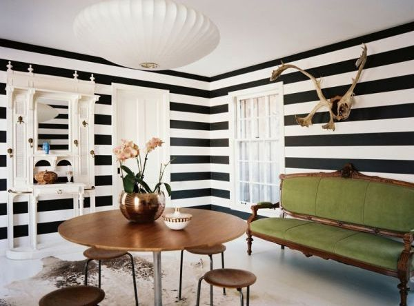 Striped Wall Accents in 15 Dining Room Designs