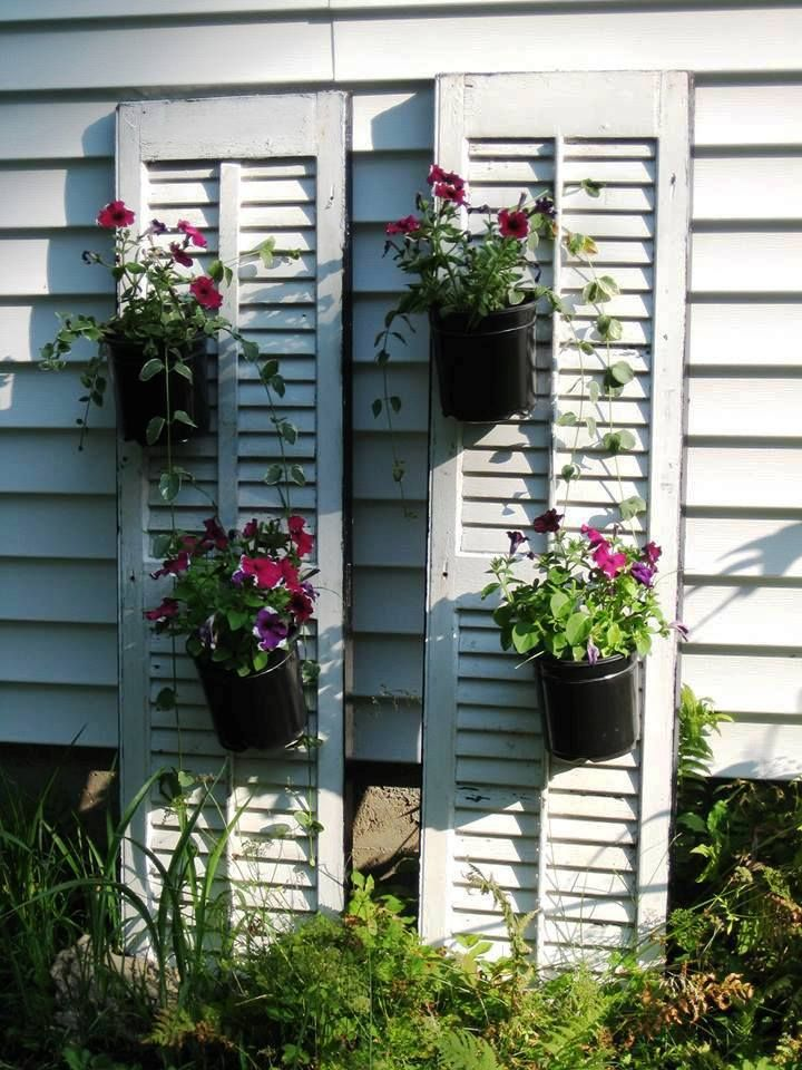 I think I'll use spray painted plastic coffee cans for the planters 1010808_591383844229098_330289812_n.jpg (720×960)