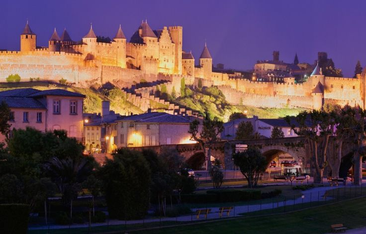 Carcassonne, France: I purchased my very first [two] porcelain dolls here and thus began my slight obsession..De Carcassonne, Favorite Places, Bella França, Visit Carcassonne, Beautiful Places, Carcassonne France, Southern France, Beautiful Site, Carcassonne Castles