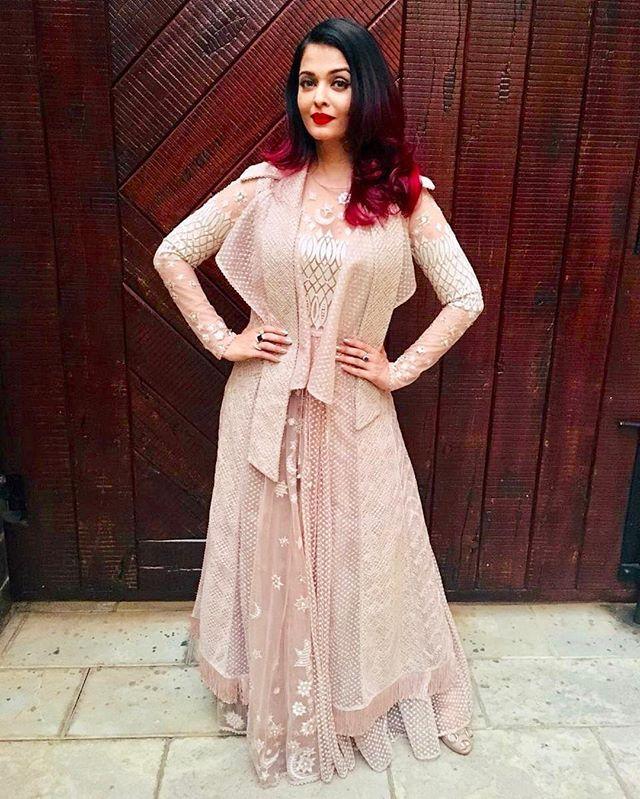 Aishwaryaraibachchan Aishwaryaraibachchan Arb Instagram Photos And Videos Fashion Emerging Designers Fashion Indian Actress Photos