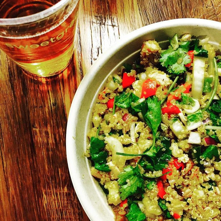 Delicious and nutritious food with awesome buddies tops off the weekend just right. Click the link in my bio to see more! @sweetgreen lentil quinoa bowl with chamomile mint tea #thebalancedbod #balancedbodofboston #boston #bostonbased #healthcoach #healthyeats #bostonblogger #wellbeing #wellness #nutrition #holistic #holistichealing #holisticnutrition #holistichealth #sweetgreen