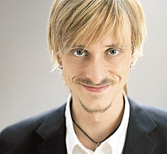 Mackenzie Crook as Orell. He is going to be perfect!