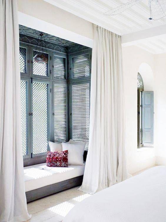 window lounge.