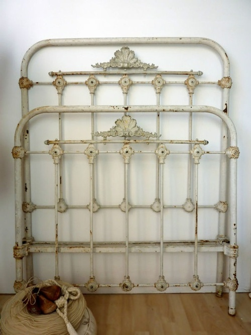 Antique iron bed. | Farmhouse Porch likes... | Pinterest | Antique ...