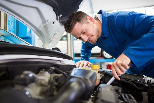 How to Pick the Right Car Servicing?