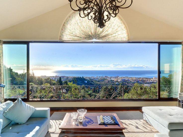 Villa mit 4 Schlafzimmern und 4 Bädern und tollem Meerblick zu verkaufen, Wohnanlage La Montua, Goldene Meile, Listing ID 1198, Marbella Costa del Sol, Spanien.