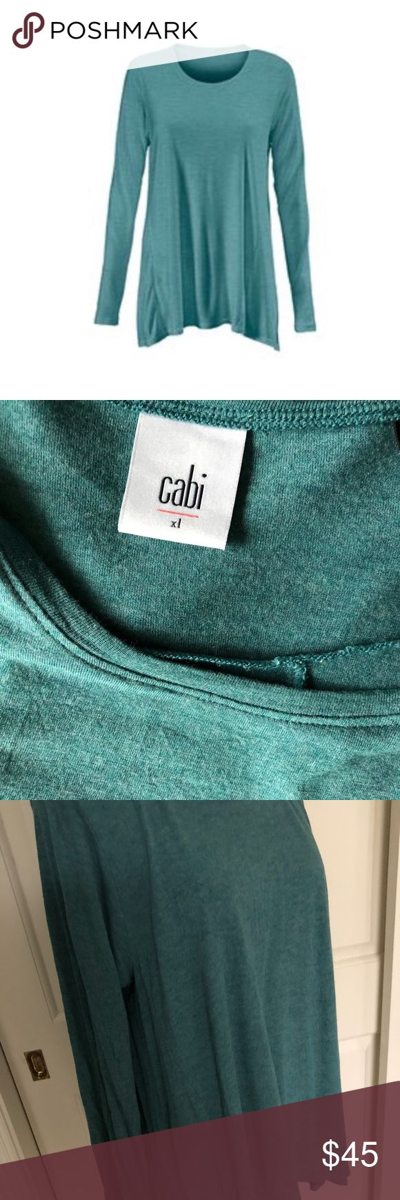"""CABI HEATHER GREEN """"SWING"""" TEE - XL ADORABLE AND SUPER SOFT LONG SLEEVE TOP FROM CABI  THE """"SWING TEE""""   HEATHERED GREEN  LONG SLEEVE  SLIGHTLY FLOWY AND FLATTERING DESIGN  IN PERFECT CONDITION, LIKE NEW  NO DAMAGE AND FROM A SMOKE FREE HOME CAbi Tops Tees - Long Sleeve"""