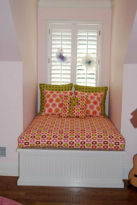 Idea for dormer in smaller bedroom. Lift up for storage underneath. Would  make a great reading nook & snuggle spot for M.