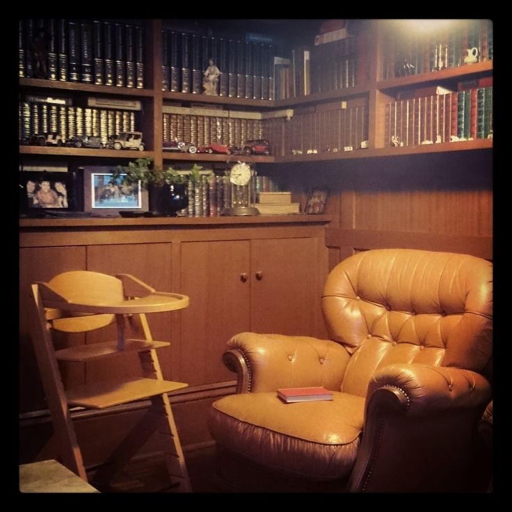 Treppy highchair in the private library. #Treppy #Cherry #Highchair #Library #Leather #Armchair #book
