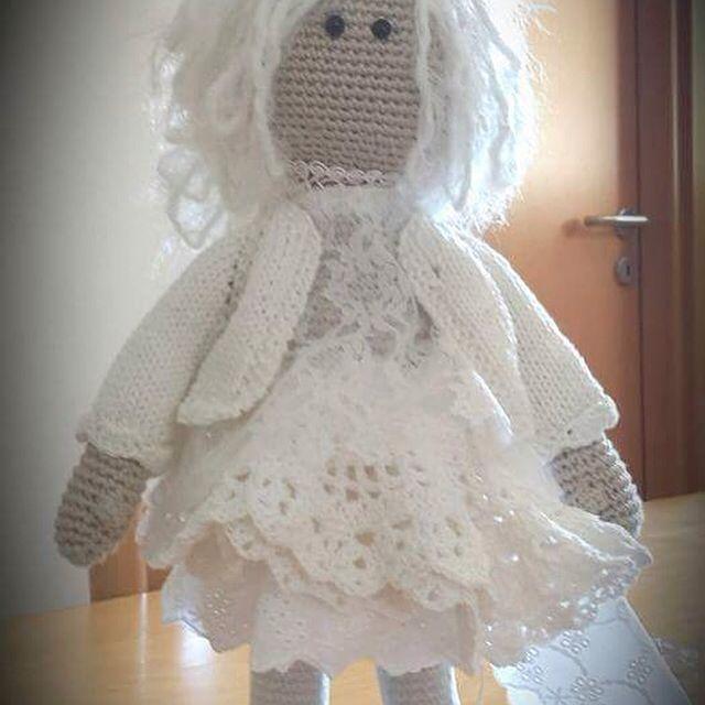 White princess doll