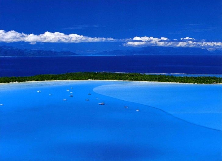 """crazy blue ocean pic from """"beautiful places to visit"""" travel blog #travel"""