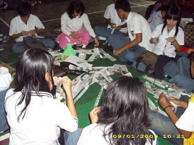 Hidup berkualitas melalui asah kreativitas: Catatan peristiwa bersama Siswa SMA Kemah Bandung