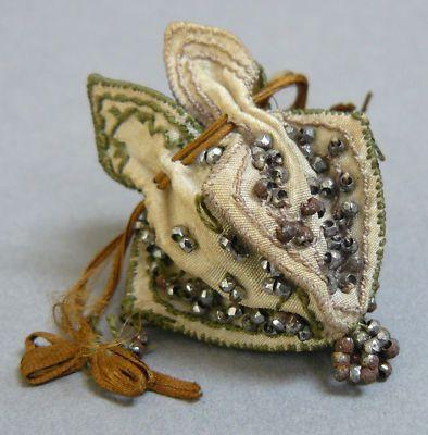 Antique Doll's Miniature Beaded Silk Purse Reticule.: Polar Bears, Antique Dolls, Doll S Miniature, Miniature Beaded, Christmas Gift