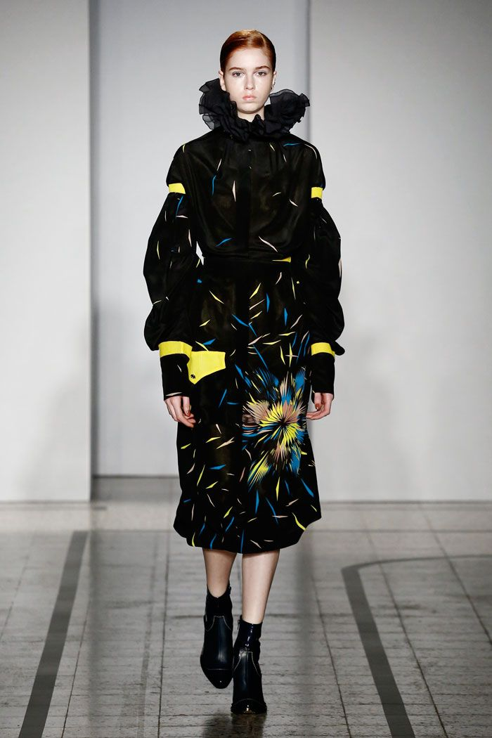 Mila Schön - look 30 FRIGIDAIRE – Printed silk dress with macro military pocket.