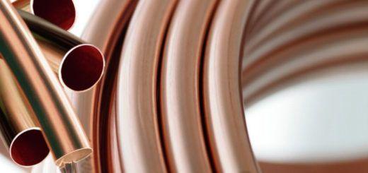 Dincorsa | Conoce los principales usos del cobre |    El cobre (Cu) es un elemento químico con número atómico 29. Es uno de los metales más importantes de transición. Es de color rojizo y cuenta con tonalidades brillantes. Fue uno de los primeros metales utilizados por el hombre.  Su gran utilidad se debe a sus innumerables propiedades y características. A continuación, en Dincorsa, te compartimos una lista con los principales usos del cobre: