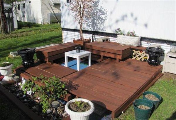 Pallet Furniture Plans | Pallet Patio Deck (Unique use of Pallet) | Pallet Furniture DIY