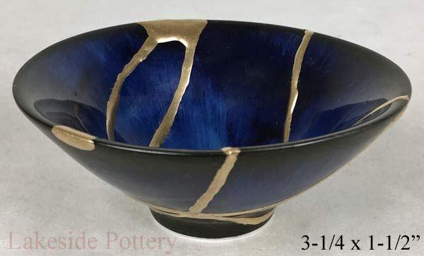 Kintsugi Art Example Japanese Method Of Pottery With Gold Repair In 2020 Kintsugi Art Kintsugi Kintsugi Tattoo