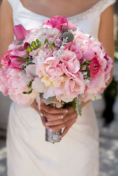 Love the bright pinks with light pinks in this bridal bouquet.