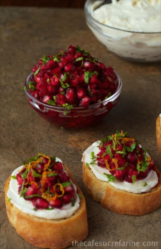 Cranberry and Pomegranate Bruschetta - This bright, fresh healthy appetizer…