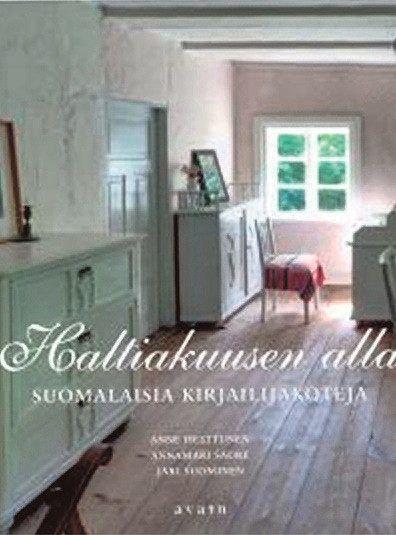 Hanna Syrjälän arvio Helsingin Sanomissa.