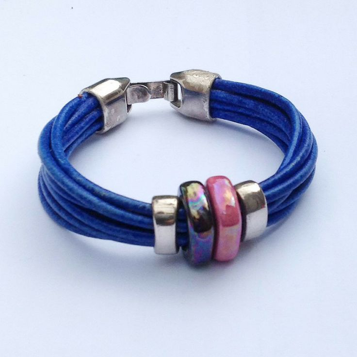 Mercadillo hippy leather bracelet with ceramic detail and metal clasp | Be Charmed