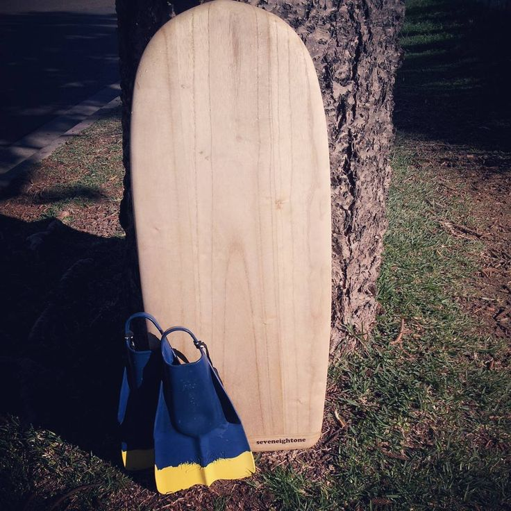 paipo with dafins #paipo #surf #shape #timber #dafins #surfcraft #board…