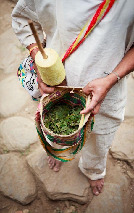 """Tradicional """"Poporo"""" Utilizado por los indígenas Kogui. www.magictourcolombia.com"""