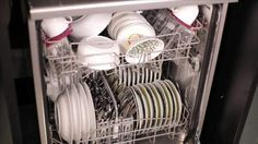 Economize muito na hora de lavar pratos, copos e talheres com essas receitas de detergente caseiro para máquina de lavar louça. Confira a seguir. Sem dúvida sai muito mais em conta comprar ingredientes para receitas caseiras de produtos de...