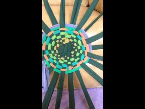 Hula-Hoop Rug Tutorial - YouTube