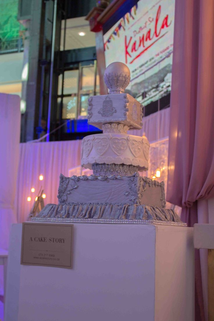 """Victoria"" - champagne & silver The cake as set up at the competition."