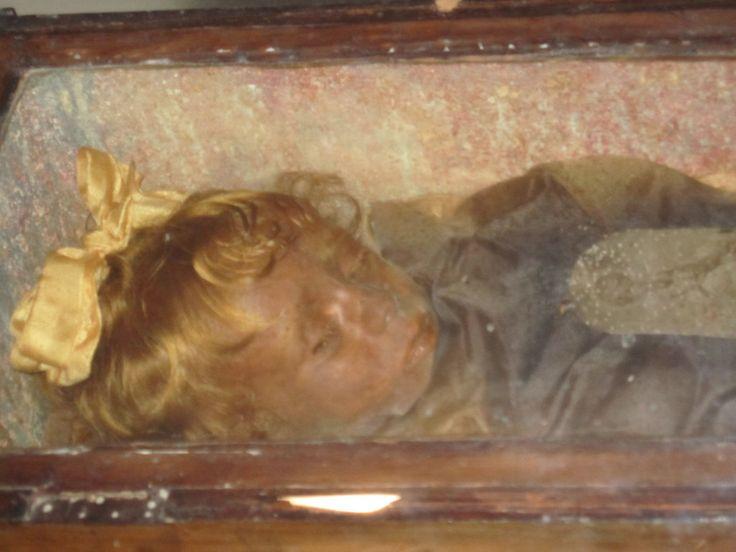 Rosalia Lombardo , 2 Jahre alt, gestorben 1920 Bilder Tempel/Kirche/Grabmal Catacombe di Cappuccini