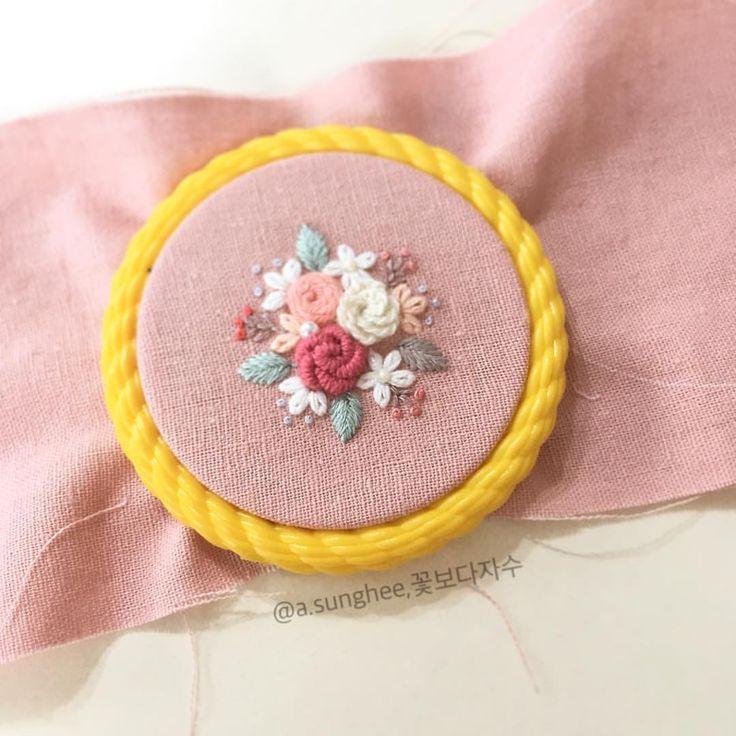 꽃가득 - #꽃보다자수#프랑스자수#춘천프랑스자수#춘천자수#마카롱으로#손자수 #embroidery #handembroidery #ricamo #needlework #needlecraft #frenchembroidery