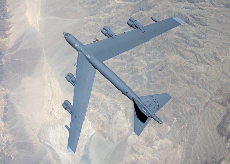 Boeing B-52 Stratofortress [2100  1500]