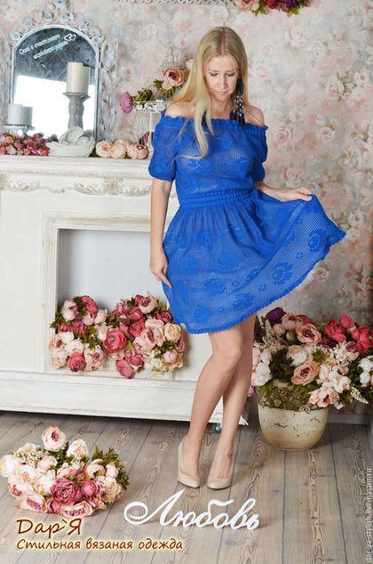 Купить или заказать 'Маленькая Роза' вязаное кружевное платьице в интернет-магазине на Ярмарке Мастеров. СДЕЛАЮ НА ЗАКАЗ. Кокетливое кружевное платице в деревенском стиле с мелкими розочками. Связано крючком из тонкого хлопка. Двойные рюши по подолу, рукавам и кокетке платья, придают особое очарование и нежность как платью, так и его хозяйке. Платье связано по индивидуальному эскизу. На заказ возможно изменить цвет, длину и рисунок. Платье в другом цвете www.livemaster.…
