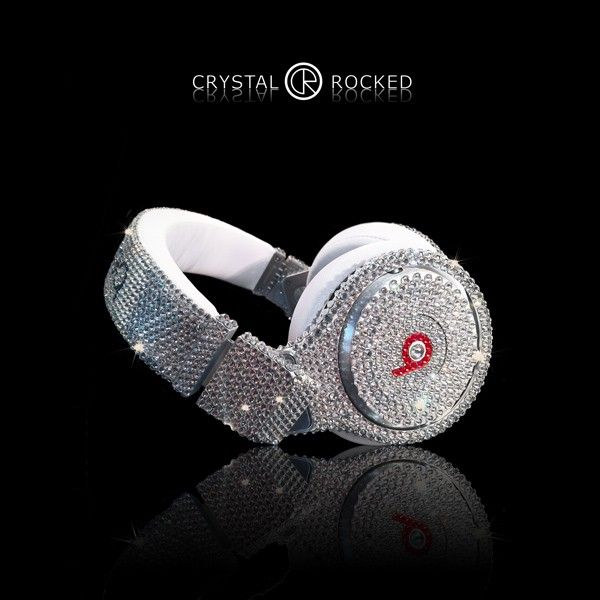 GIVE ME!!!!! WANT!!! please magically appear in my room overnight<3    Dr Dre Beats - Pro Headphones Swarovski