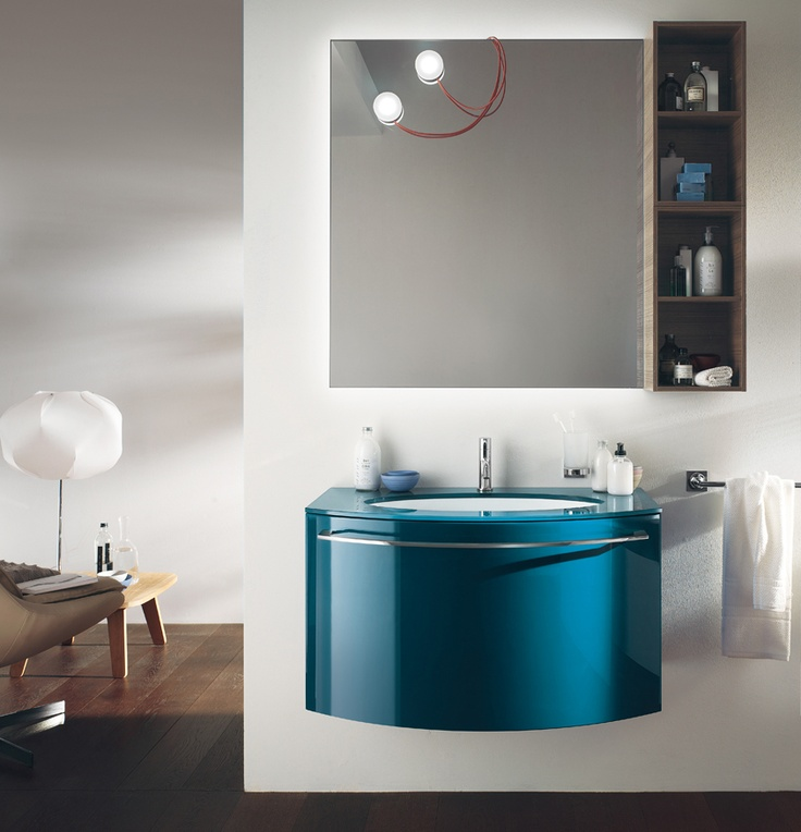 The Link mirror is complemented by two Magnetique lamps   Aquo Collection