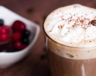 Irish coffee ou café chaud au whisky et chantilly : Savoureuse et équilibrée   Fourchette & Bikini