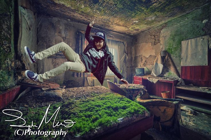 #trickPhotography #levitate #levitation #levitationphotography  #cool #Newyorkphotography #nyc #abandoned #artistic
