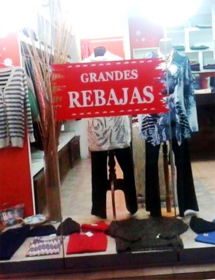 """Calco realizada en vinilo rojo Oracal  651, con vinilo blanco nacional. Campaña de rebajas para """"Espacio Calixta"""", Moreno, Buenos Aires, Argentina."""