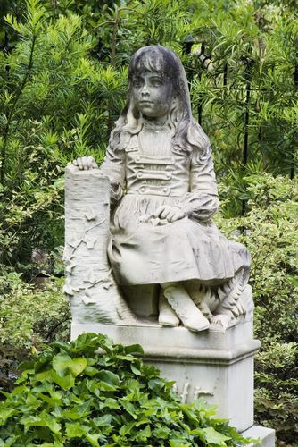 Gracie ~ Bonaventure Cemetery, Savannah