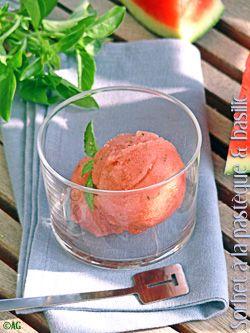 Un morceau bien frais de pastèque, j'adore ! Sauf les graines qui m'agacent … Alors le sorbet m'a semblé idéal. Encore qu'il parait qu'il existe maintenant des pastèques sans pépins … Je vous avoue que l'idée que des chercheurs aient...