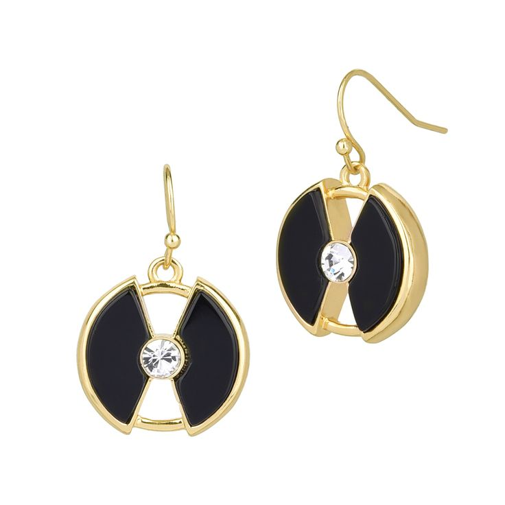 Stylish and classy earring for the gorgeous mommy. This is not the usual pair of earrings you see everyday.