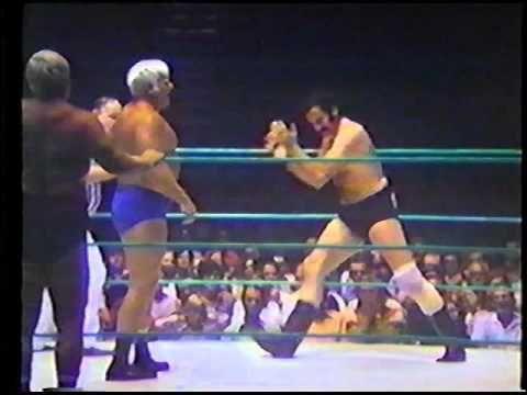 Dick The Bruiser, The Crusher & Lil Bruiser vs Bobby Heenan, Blackjack L...