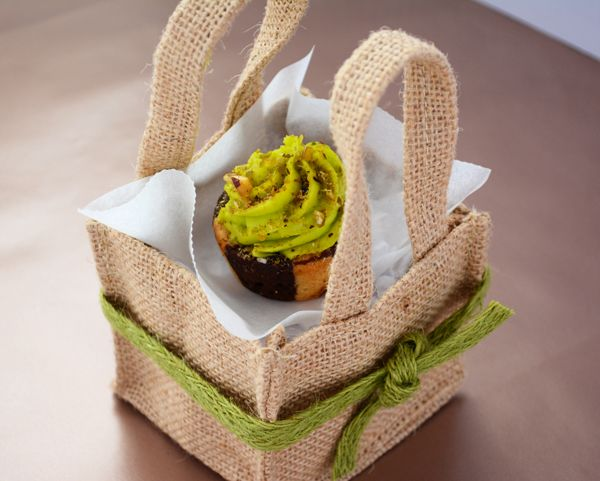 Jute Tiny Totes. #Barama #Giftpackaging #Packaging #Giftideas #Gifts #Gourmetfood #Boxes #Chocolate #Presents #Jute #Hessian #Cupcake #Gourmetpackaging