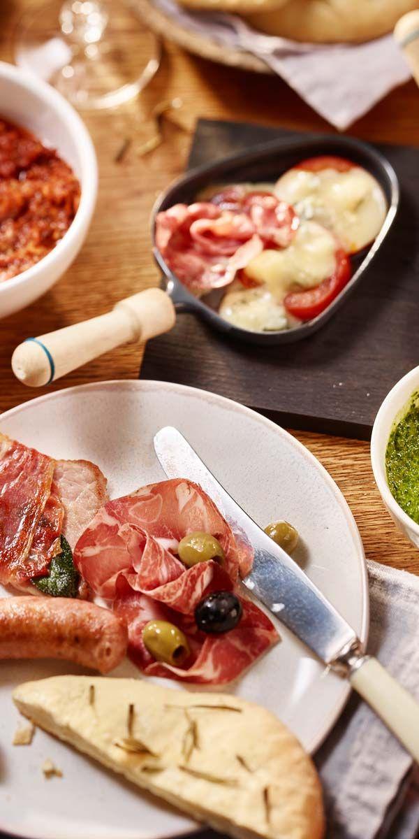 """Buon appetito! Italienische Spezialitäten können auch sehr gut zum Raclette kombiniert werden. Hier findest du tolle Ideen für dein Raclette """"Italia""""."""