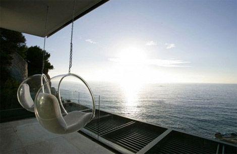 Bubble chair, design Eero Aarnio