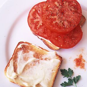 Summer tomatoes. Possibly the best thing on earth. This tomato sandwich (altho I'd skip the butter and instead go heavy on the mayo), or my grandma's Italian tomato salad. Can't let a summer pass without it.