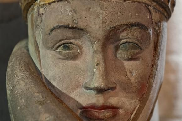 Uta von Ballenstedt, Naumburg Master - Naumburger Cathedral of St. Peter and St. Paul: Uta von Countess Uta of Naumburg (nee Ballenstedt) 1000 - 1046 (Figure was made 1255 by the Naumburg Masters. Stands in the Cathedral of Naumburg, Saxony-Anhalt, Germany. 1